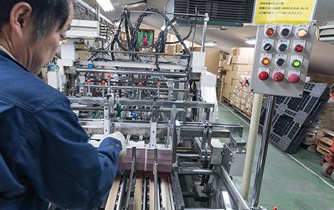 熟練の職人が作り上げる高クオリティな製品